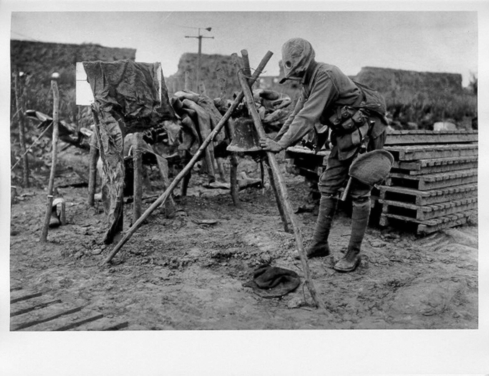 the 20th century war The early 20th century the early 20th century was marked by rapid industrial, economic, social, and cultural change, which influenced the worldview of many and set the stage for new artistic movements with the outbreak of world war i in 1914.